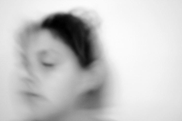 'Huellas I'. Duratrans montada en caja de luz. 100 x 70 cm. Pieza actualmente en Fundación Torre Pujales. Corme. Costa da Morte. A Coruña