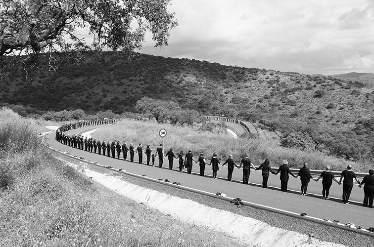 Cruzar la línea. Fotografía digital 2016