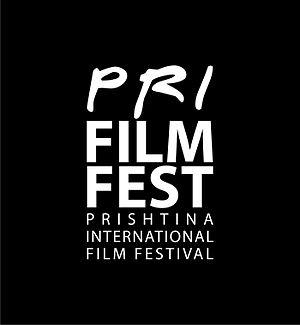 CRUZAR LA LÍNEA en el Prishtina International Film Festival